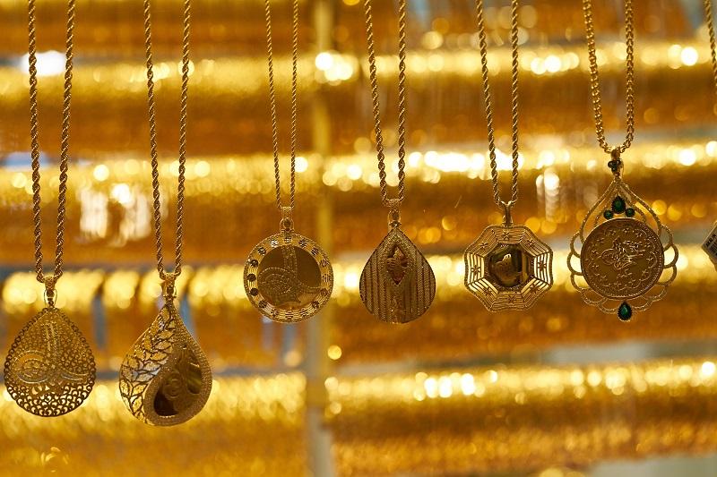 Arany nyakék